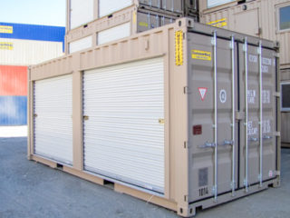 20' Container with 2 roll up doors, exterior with doors closed
