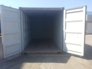Containers with three side doors - Interior View