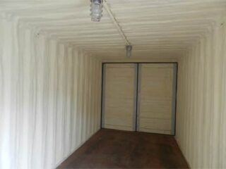Interior-view-of-an-insulated-&-heated-container